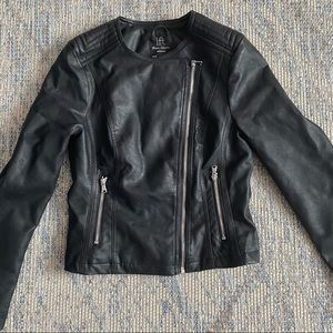 🔥 2 for $30 Vegan/Faux Leather. EUC jacket.